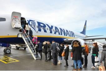 Due voli Ryanair Bari - Parigi cancellati: 260 passeggeri restano a terra